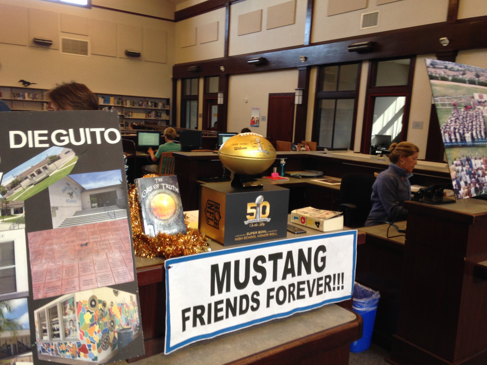 Sign that says Mustang Friends Forever