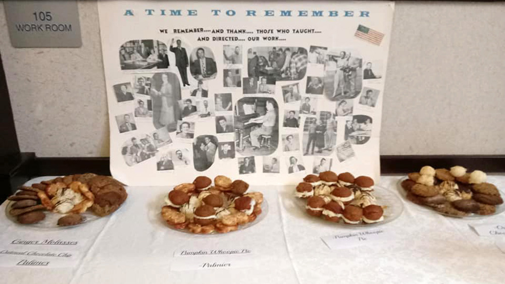 A table with cookies