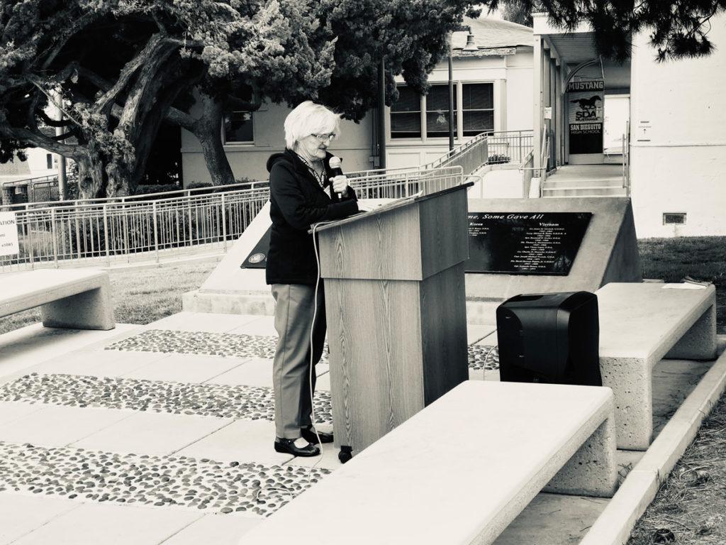 Cindy Thorpe at lectern